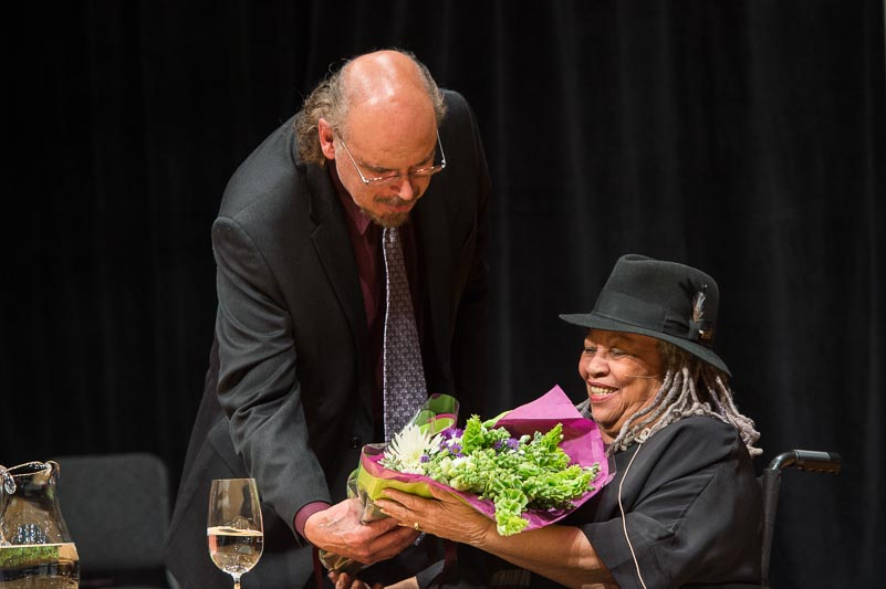 Davíd Carrasco greets Toni Morrison with flowers following her lecture at Harvard in 2012